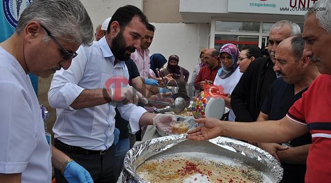 Nevşehir Sağlık-Sen'den 2 bin 500 kişiye Aşure ikramı